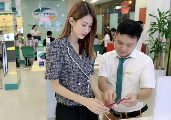 Đến Viettel Store trải nghiệm iPhone 12 khi máy về Việt Nam mọi người nhé