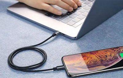 Sạc iPhone bằng máy tính có hại không